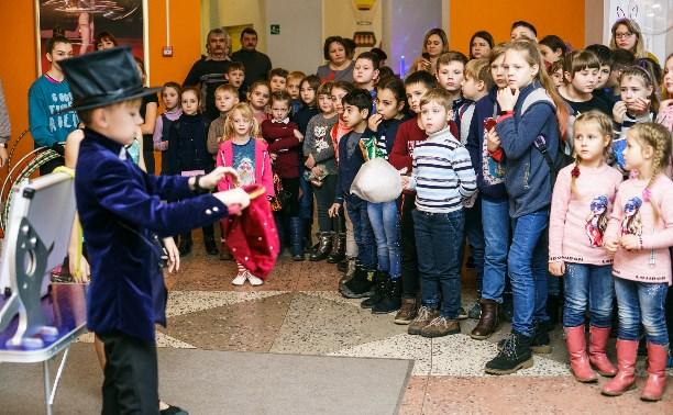 Семьи с детьми-инвалидами посетили новогоднее представление в Тульском цирке