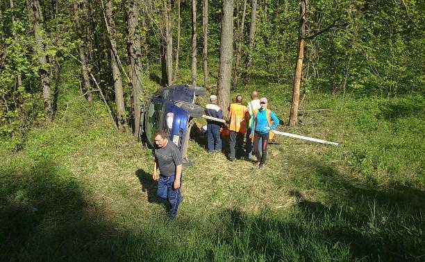 На М2 водитель «Калины» сбил пешехода, машина вылетела в кювет