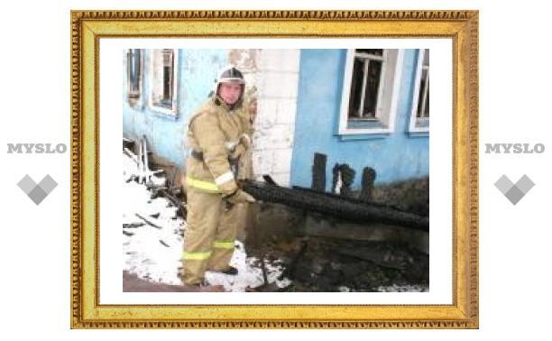 Тульский пожарный вынес женщину из огня