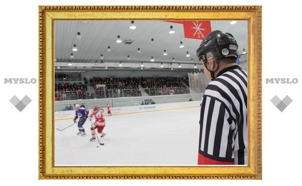 Щекинская «Виктория» лидирует в хоккейном турнире