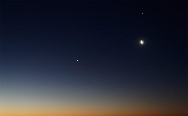 30 июня жители Центральной России смогут увидеть сближение Венеры и Юпитера