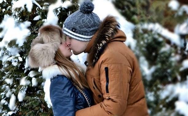 Россияне больше любят отмечать День святого Валентина, чем Хэллоуин