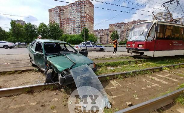 Серьезное ДТП на Зеленстрое: водитель легковушки выбил головой лобовое стекло
