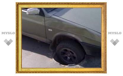 В Туле обнаружен люк - убийца машин