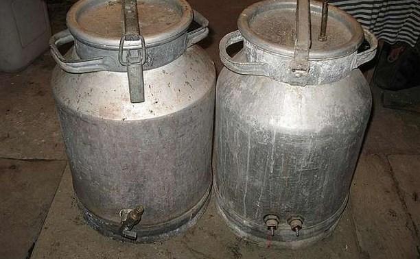 В Ефремове школьник украл два бидона из гаража