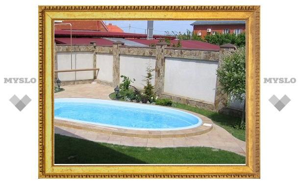 Ребенок едва не утонул в бассейне частного дома