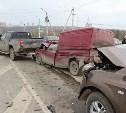 На Калужском шоссе Ssangyong протаранил пять легковушек