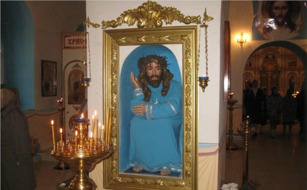 В Свято-Покровском храме установили скульптуру «Спаситель в темнице»