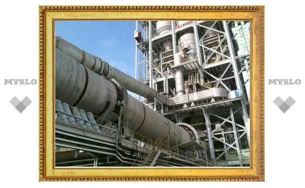 Владимир Груздев посетил цементный завод в поселке Новогуровский Алексинского района