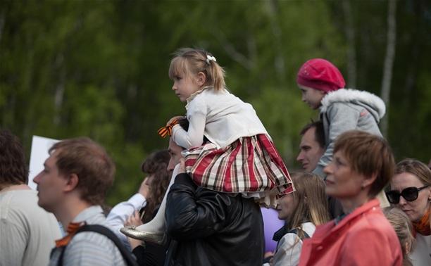Свыше 165 тысяч человек приняли участие в праздничных мероприятиях 9 Мая