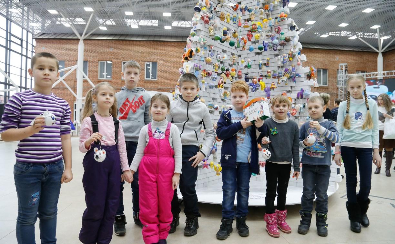 VII Всероссийский фестиваль детского творчества «Шар-папье»: море улыбок, игрушки и арт-моб «Бусы России»