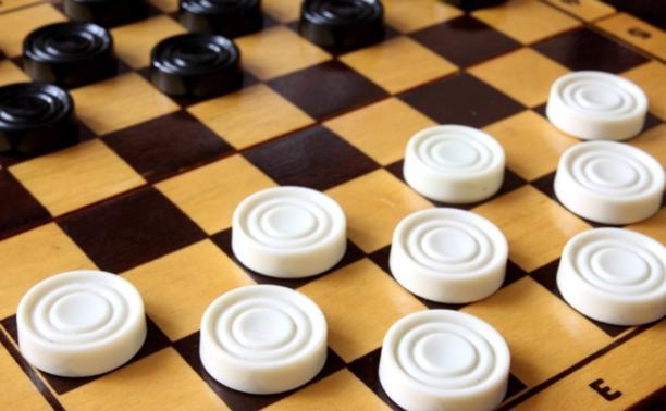 В Туле стартовал шашечный турнир