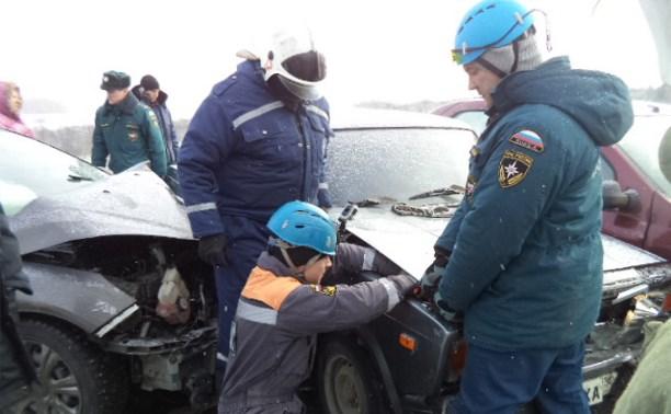 На трассе «Крым» столкнулись четыре автомобиля