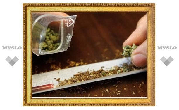 Щекинский полицейский задержан за хранение наркотиков
