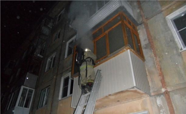 Рано утром в Привокзальном районе загорелась пятиэтажка