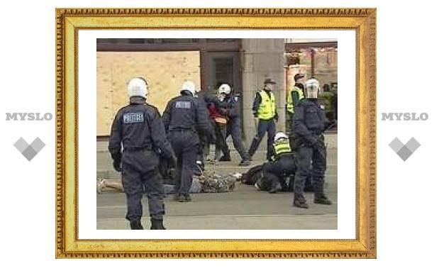 За участие в таллинских беспорядках задержаны 22 россиянина