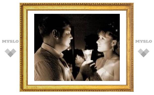 Исследование подтверждает, что влюбленные утрачивают способность критиковать своих партнеров