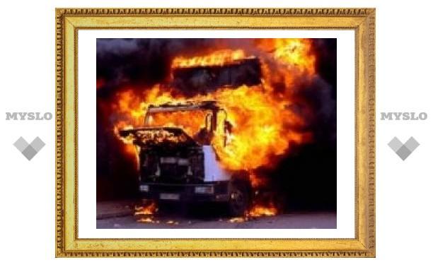 В Туле сгорело две машины
