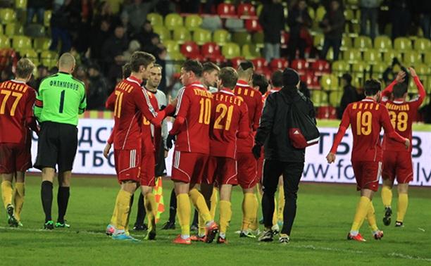 Тульский «Арсенал» после первого тайма проигрывает «Карпатам»