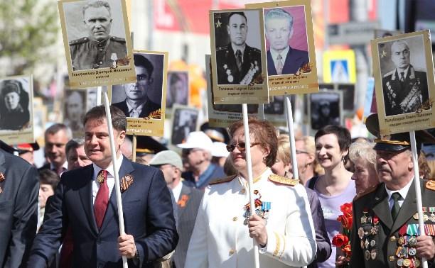 В 2016 году Владимир Груздев пообещал взять дочку на Парад Победы