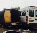 Две «ГАЗели» и «семёрка» столкнулись на Новомосковском шоссе