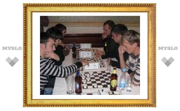 В Туле выбрали лучшего бармена-шашиста