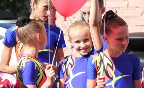 В Новомосковске открылся спортивный зал и теннисный центр