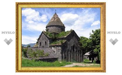 Реставрация внесенного в список ЮНЕСКО армянского монастыря Санаин начнется в 2012 году