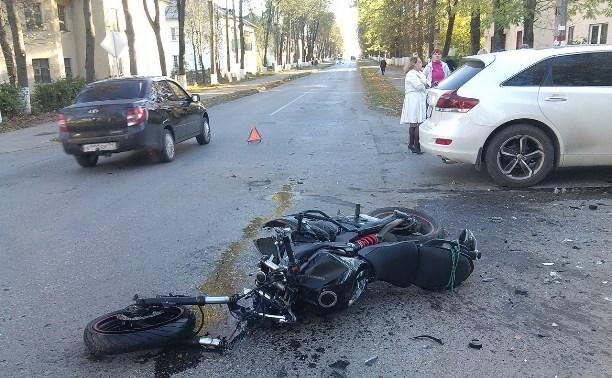В поселке Первомайский мотоциклист попал в реанимацию из-за водителя внедорожника