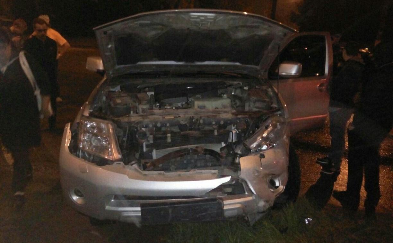 В Тульском Мясново джип протаранил легковушку: есть пострадавшие