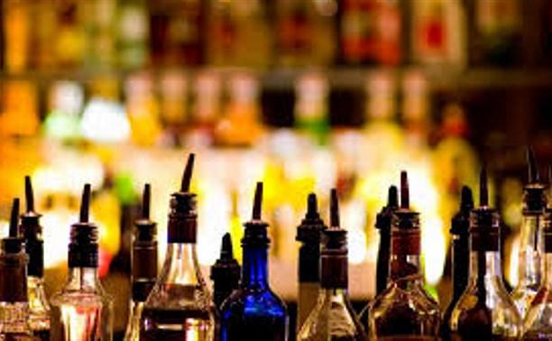 Пьяный житель Киреевска вломился в закрытый бар и похитил водку и коньяк
