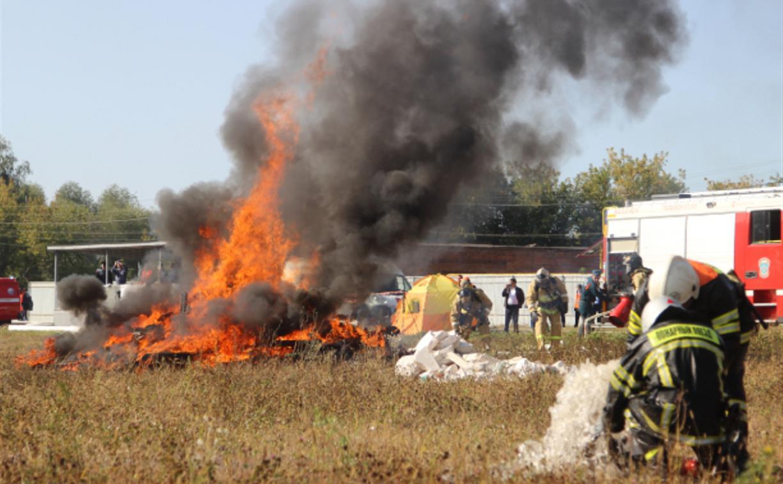 Пассажирский поезд столкнулся с нефтеналивным составом: в Туле состоялись учения МЧС