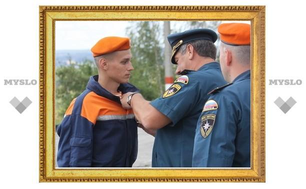 В Туле наградили ликвидаторов лесных пожаров
