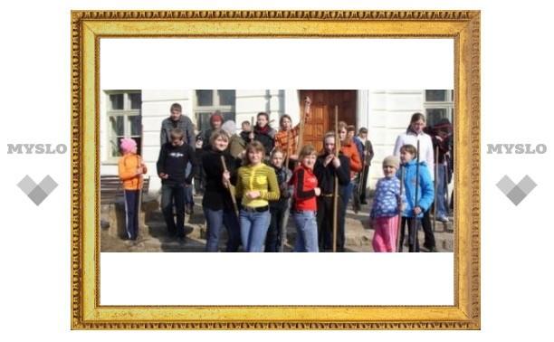 Школьников привлекли к уборке Тулы