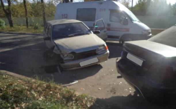 В тройном ДТП в Алексине пострадал мужчина