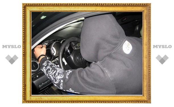 Саратовец угнал автомобиль у жителя Тулы