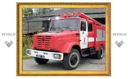 Под Тулой пожарные вывели детей из огня