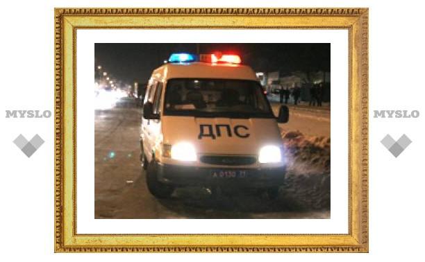 В центре Тулы легковушка врезалась в автобус с людьми
