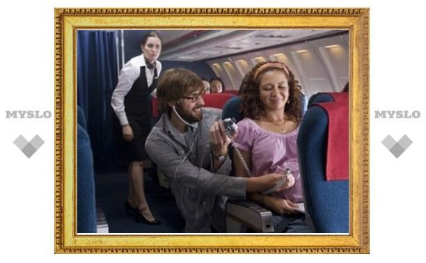 Женщинам разрешили летать на самолете при любом сроке беременности
