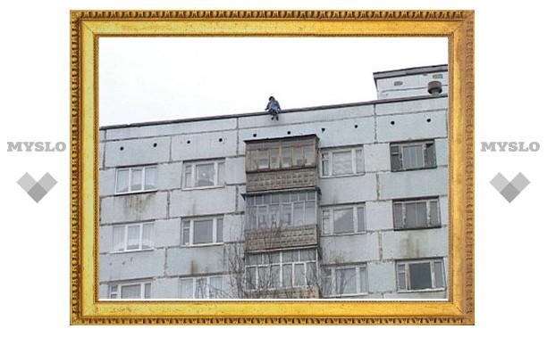 В Туле с многоэтажки выбросилась школьница