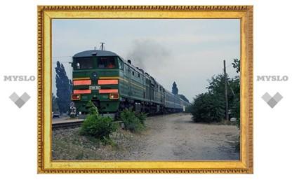Под Тулой грузовик столкнулся с поездом