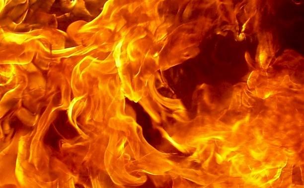 Тульские пожарные вынесли жильца из горящей квартиры