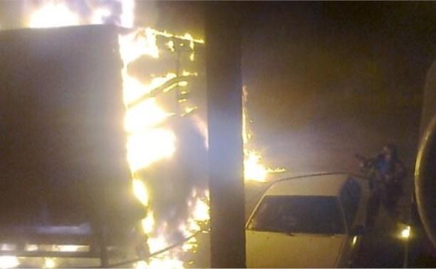 Ночью в Тульской области загорелись три автомобиля
