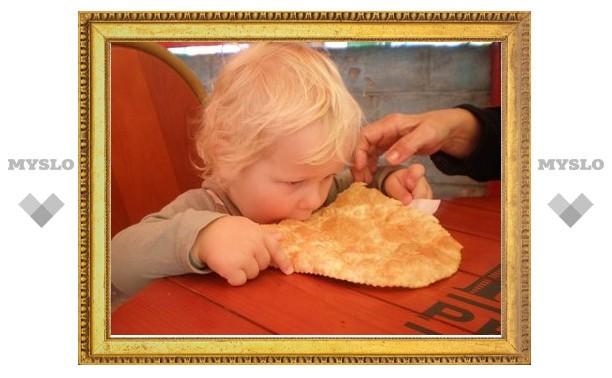 Санврачи Тулы «воюют» с пирожками и чебуреками