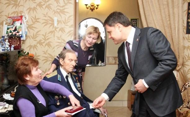 Российским ветеранам начали вручать медали в честь 70-летия Победы