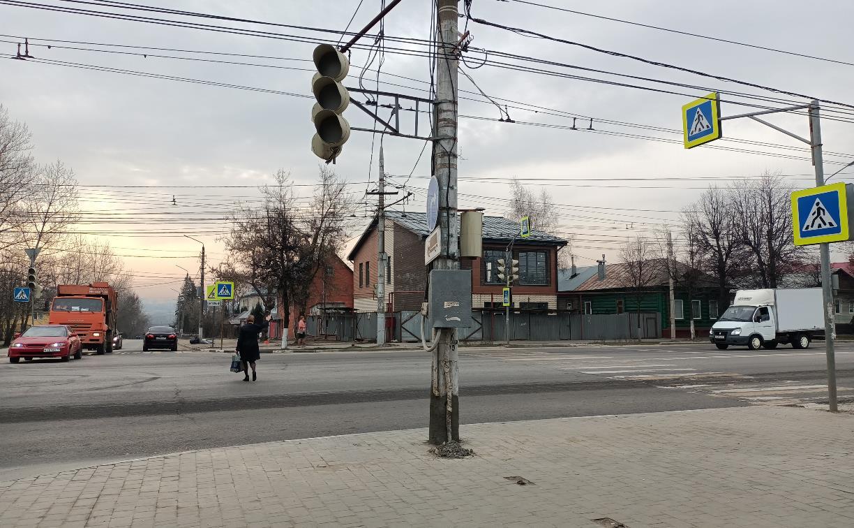 В Туле на перекрестке улиц Октябрьской и Токарева не работают светофоры