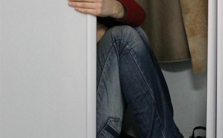 Житель Киреевска пытался спрятаться от судебных приставов в платяном шкафу