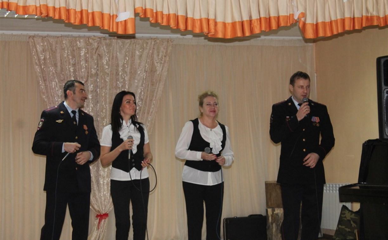Юных туляков поздравил «Полицейский Дед Мороз»