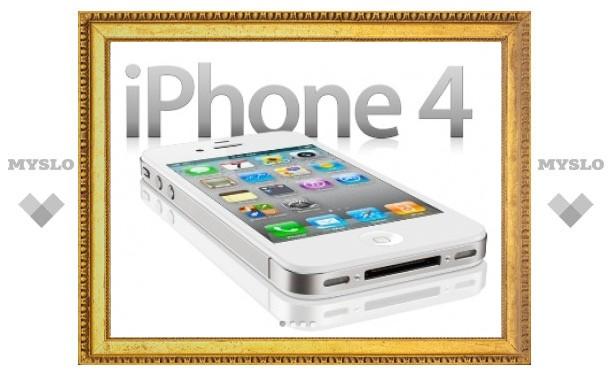 iPhone 4S поступил в продажу в России