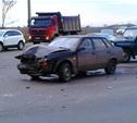 На повороте на Тулачермет столкнулись ВАЗ и Toyota Land Cruiser Prado